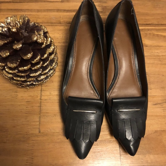 eae89188d6b1 Donald J. Pliner Shoes - Donald j. Pliner pointed leather kitten heels 7.5